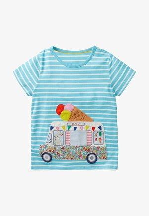OBERTEIL MIT TIERISCHEM AUFKLAPPMOTIV - Print T-shirt - meerblau/naturweiß, eiswagen