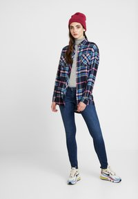 Tommy Jeans - SCARLETT  - Jeans Skinny Fit - dark blue denim - 1