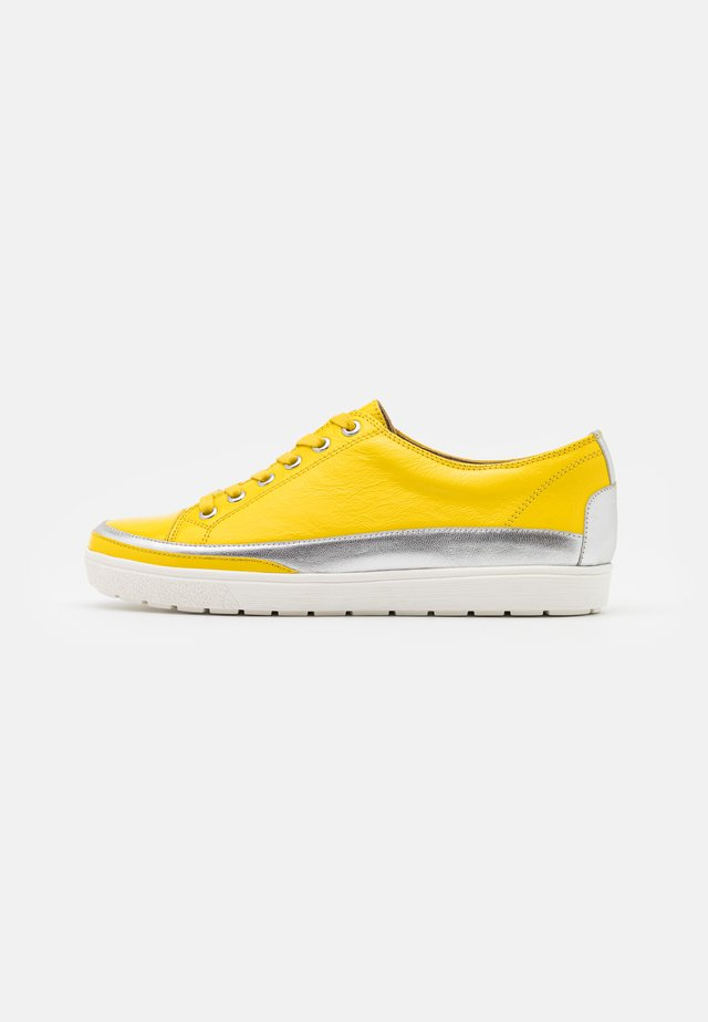LACE UP - Sneakers - yellow