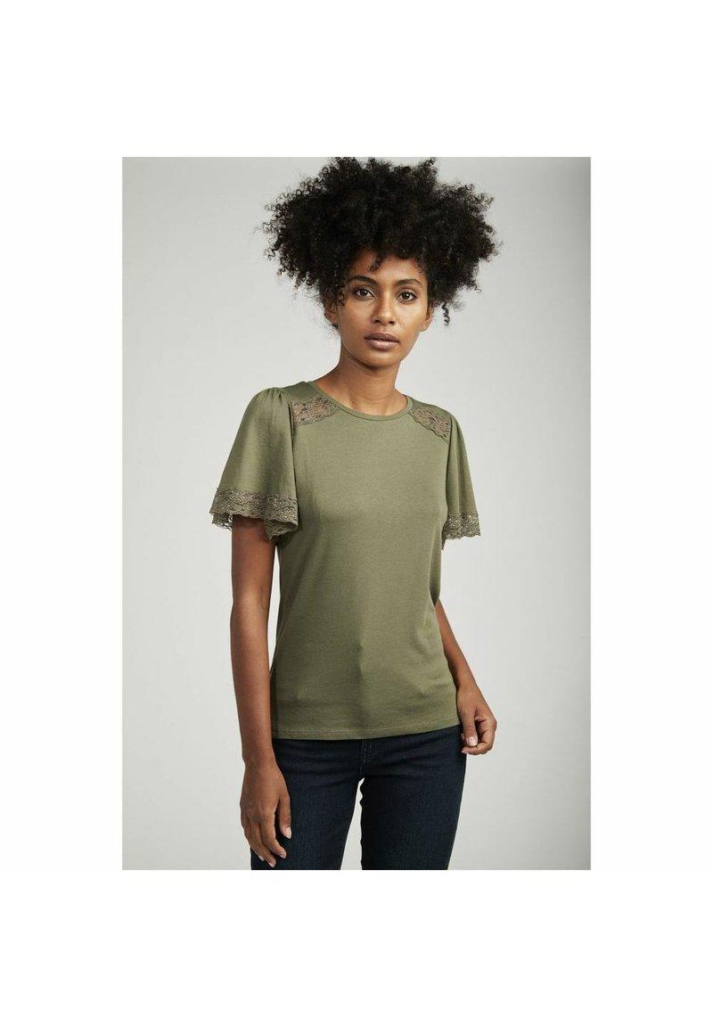 NAF NAF - Basic T-shirt - green