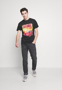 Cayler & Sons - RIDE OR FLY TEE - Print T-shirt - black - 1