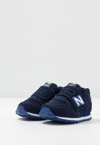 New Balance - IV373SB - Baskets basses - pigment - 3