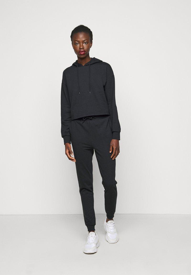 Even&Odd Tall - SET - Tracksuit - black