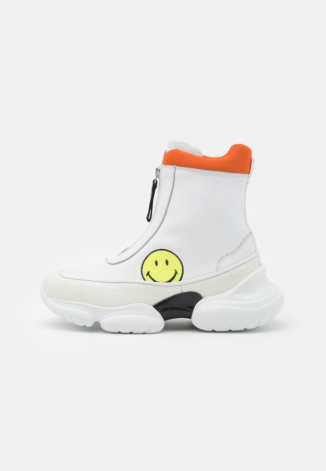 HAMLIN SMILE - Sneakersy wysokie - white