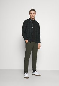 Selected Homme - SLHSLIMHOUSTON CAMP - Camicia - rosin - 1