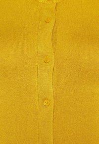 Marks & Spencer London - CREW CARDI PLAIN - Strikjakke /Cardigans - yellow - 6