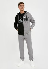 Finn Flare - Tracksuit bottoms - grey - 0