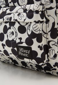 Kidzroom - BACKPACK AND PENCIL CASE MICKEY MOUSE ALL TOGETHER SET - Schooltas - black/white - 2