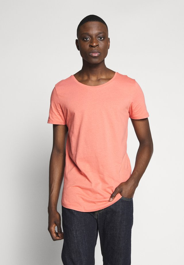 SHAPED TEE - T-Shirt basic - red