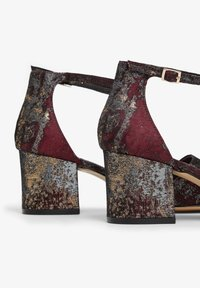 Bianco Wide Fit - WIDE FIT BIADIVIDED - Pumps - wine red - 5