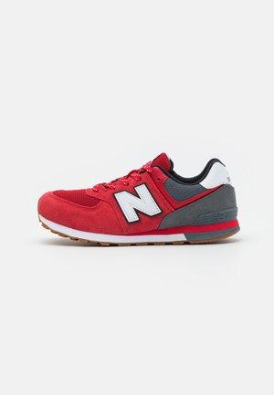 GC574ATR - Zapatillas - red