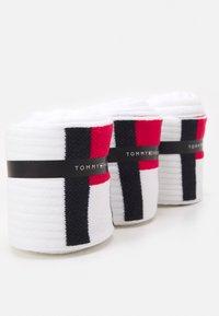 Tommy Hilfiger - MEN SOCK FLAG 3 PACK - Socks - white - 1