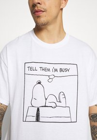 Vintage Supply - SNOOPY GRAPHIC TEE - Print T-shirt - white - 5
