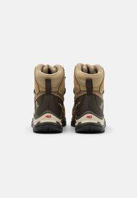 Salomon - QUEST 4 GTX - Hiking shoes - kelp/wren/bleached sand - 2
