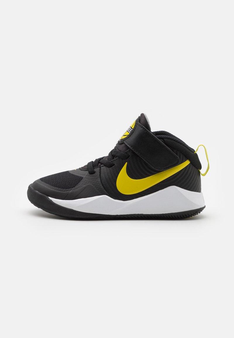 Nike Performance - TEAM HUSTLE 9 UNISEX  - Basketbalschoenen - black/high voltage/light smoke grey