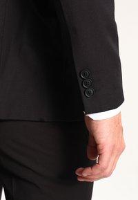 KIOMI - Kostym - black - 6