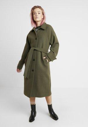 ARELIA COAT - Frakker / klassisk frakker - khaki