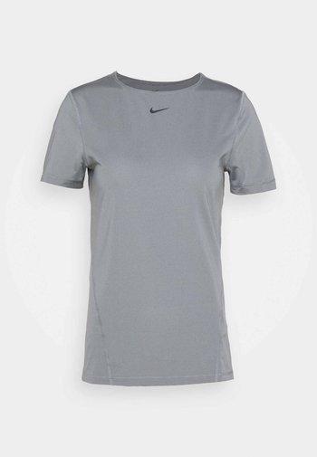 ALL OVER - Camiseta básica - smoke grey/black