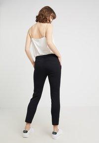 Lauren Ralph Lauren - LYCETTE PANT - Kalhoty - black - 2