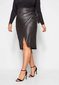 Yours Clothing - Wrap skirt - black - 0