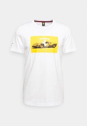 FERRARI RACE GRAPHIC TEE - T-shirt med print - white