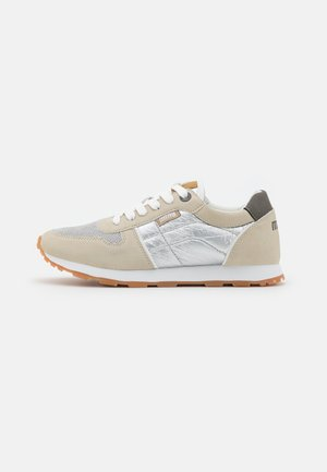 EARTH - Sneakers laag - off white