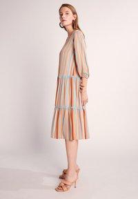 comma - Day dress - terracotta stripes - 1