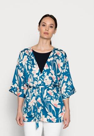 Summer jacket - bright blue