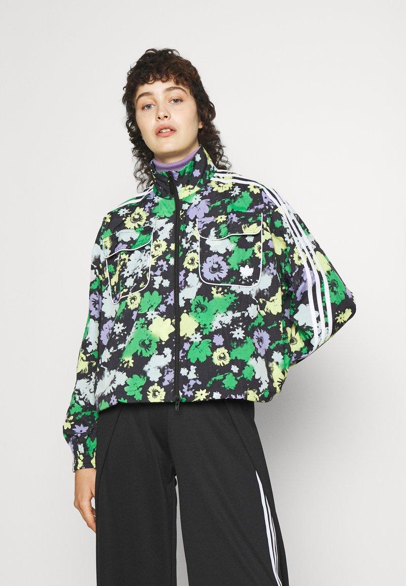 adidas Originals - ORIGINALS TREFOIL MOMENTS WINDBREAKER LOOSE - Training jacket - multicolour