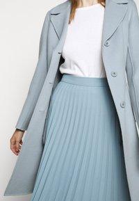 WEEKEND MaxMara - UGGIOSO - Classic coat - aqua marina - 3