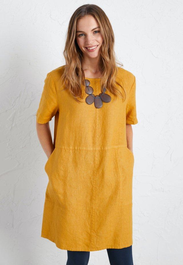 SOFT SHADING - Tunic - yellow