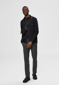 Selected Homme - FLEX FIT HOSE SLIM FIT - Chinos - dark grey - 1
