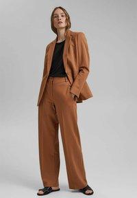 Esprit Collection - SOFT PUNTO - Trousers - caramel - 1