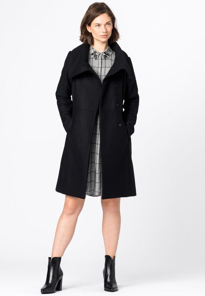 HALLHUBER - MANTEL WOLLMANTEL - Classic coat - schwarz