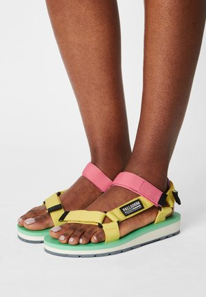 OUTDOORSY URBANITY - Walking sandals - goldfinch