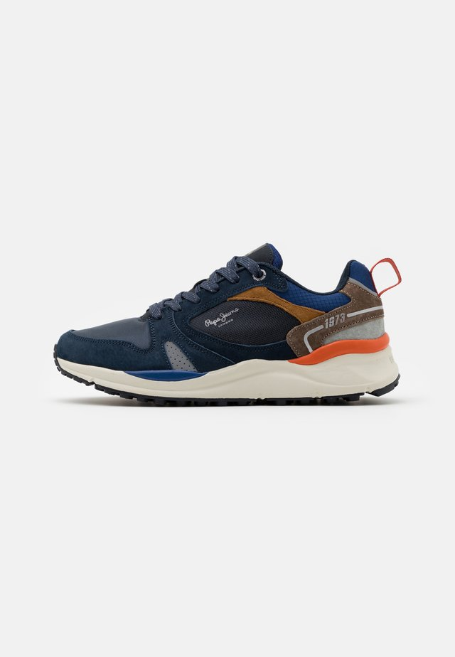 TRAIL LIGHT - Sneakers laag - navy