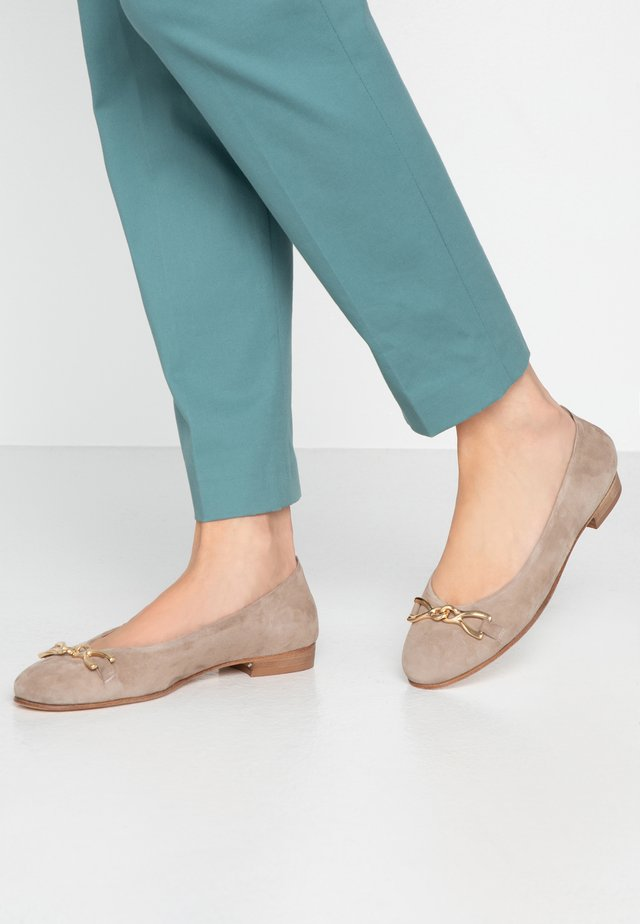 STEFY - Ballerines - taupe