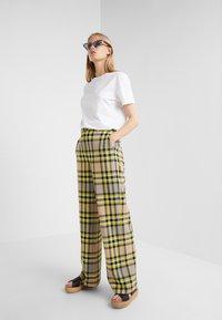 CLOSED - LYN - Trousers - lemon peel - 1