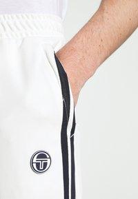 Sergio Tacchini - TRACK PANTS YOUNGLINE - Teplákové kalhoty - blanc de blanc/night sky - 6