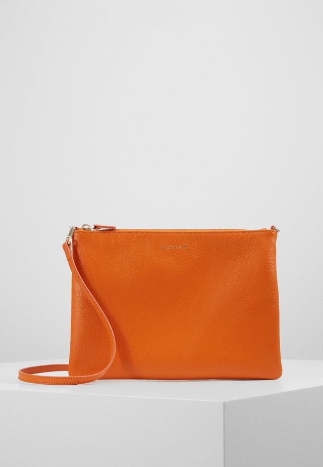 BEST CROSSBODY SOFT - Axelremsväska - ginger