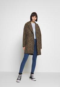 Topshop - JONI - Jeans Skinny Fit - blue denim - 1