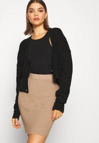 b.young - BYMALTO SHORT SKIRT - Mini skirt - golden sand - 4