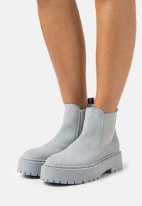 Steve Madden - VEERLY - Platform ankle boots - grey/blue - 0