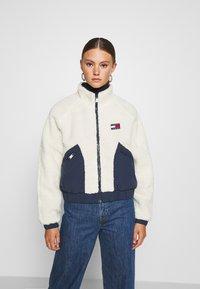 Tommy Jeans - REVERSIBLE JACKET - Winter jacket - twilight navy/white - 0