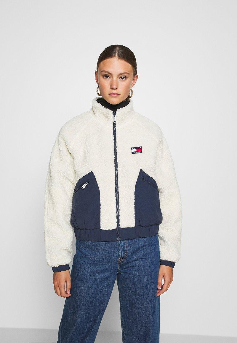 Tommy Jeans - REVERSIBLE JACKET - Winter jacket - twilight navy/white