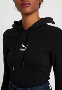 Puma - CLASSICS HOODED - Langærmede T-shirts - black - 4