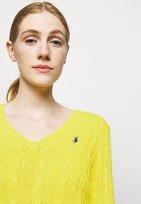 Polo Ralph Lauren - CLASSIC - Svetr - elite yellow - 4