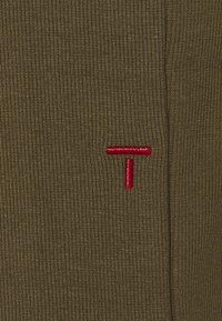 Tomorrow - CLEAR TANK - Top - army - 2