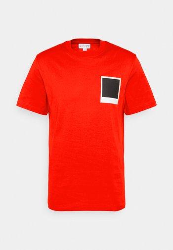 POLAROID UNISEX  - Print T-shirt - corrida