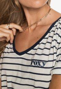 Roxy - Print T-shirt - snow white kuta stripes - 4